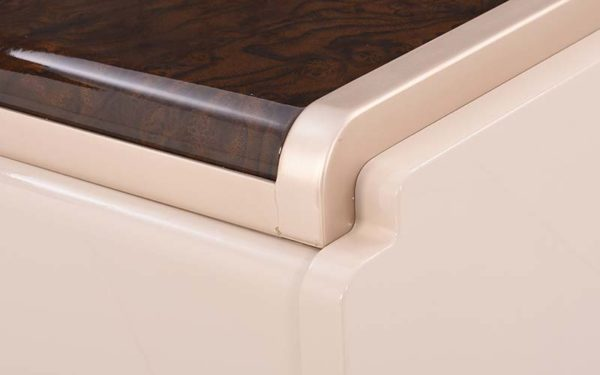 Tarjei Side Table with High Gloss Finish